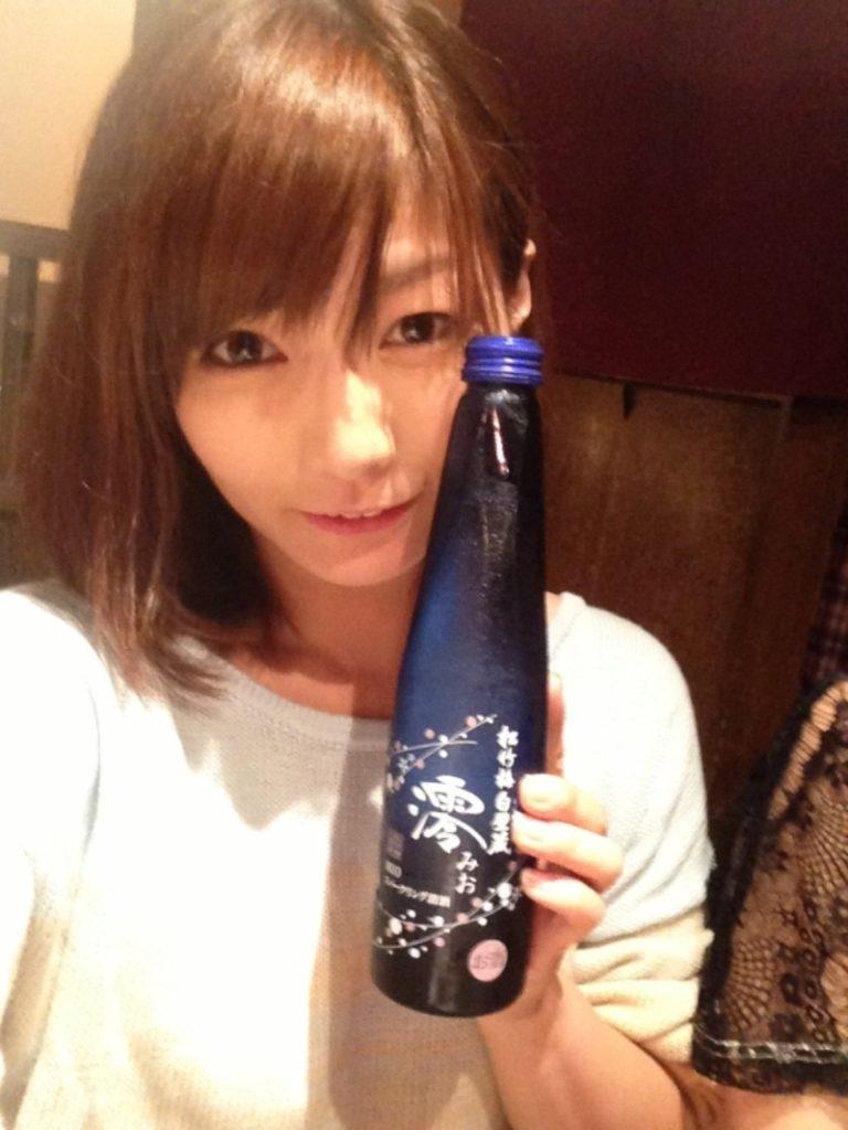 花江夏樹さんの嫁と噂の京本有加さん。