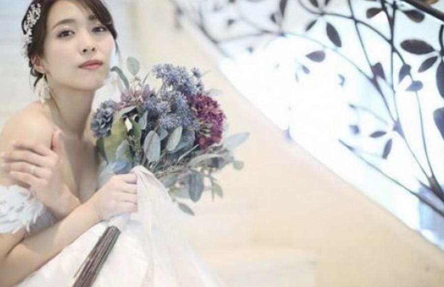黒川芽以さんのウェディングドレス