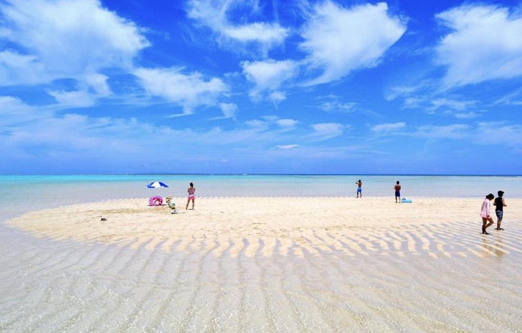 与論島の百合ヶ浜ビーチ