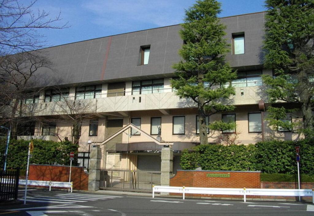高塚大夢さんの高校は中央大学杉並高等学校