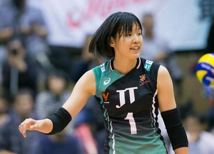 芥川愛加さんは大学には行かずにプロ選手として活躍